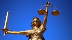 Będą zmiany w sądownictwie. ,,To wewnętrzna sprawa Polski'' - miniaturka