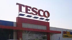 Dyrektor Tesco przyznaje: Do Polski trafiają gorsze produkty - miniaturka