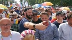 Powiązania warszawskiego ratusza z ruchami LGBT. Już wkrótce oficjalny raport - miniaturka