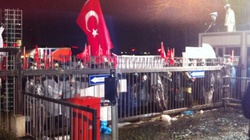 Turcja: Gaz i armatki wodne na ulicach Stambułu. Policja w redakcji opozycyjnego dziennika - miniaturka