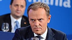 Jest i on! Tusk oskarża PiS o agresję kiboli w Białymstoku! - miniaturka