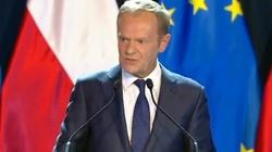 Spektakl Tuska na UW. Drwiny z prezydenta Dudy poprzedzone... Lewacką propagandą - miniaturka