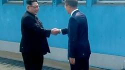 Kim Dzong Un przekroczył granicę z Koreą Południową. Przełom czy cwana zagrywka? - miniaturka