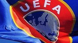 Policja w siedzibie UEFA i kłopoty nowego szefa FIFA - miniaturka