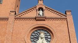 Zniszczyli drzwi kościoła. Grozi im 10 lat więzienia  - miniaturka