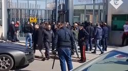 Włochy. Kapelani wyrzuceni z więzień - miniaturka