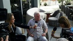 Cud! Wałęsa: Byłem teraz w Miami, miałem spotkania, a między spotkaniami pochodziłem po wodzie - miniaturka