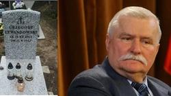 Nieślubny synek Wałęsy wreszcie ma godny grób! - miniaturka