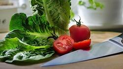 Jaką rolę w diecie warzywno - owocowej dr Ewy Dąbrowskiej pełni religia? - miniaturka