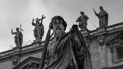 Watykan ukarał jezuitę szerzącego homoherezje - miniaturka
