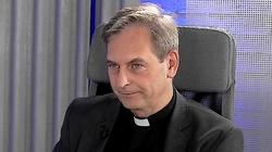 Klerykalni świeccy i świeccy księża - miniaturka
