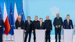 Premier: Wdrażamy kontrole sanitarne na granicach z Niemcami i Czechami - miniaturka