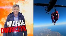 Co za spot! Michał Dworczyk skoczył z samolotu - miniaturka