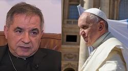 Kard. Angelo Becciu: To tradycjonaliści atakują papieża - miniaturka