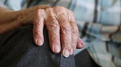 Świetne wieści!!! 101-latek pokonał koronawirusa i wrócił ze szpitala do domu - miniaturka
