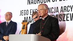 Abp Marek Jędraszewski laureatem Międzynarodowej Nagrody Instytutu Wacława Felczaka: Strażnik Wartości - miniaturka