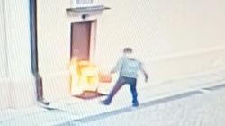 Kolejny efekt nagonki? Mężczyzna podpalił drzwi kościoła - miniaturka