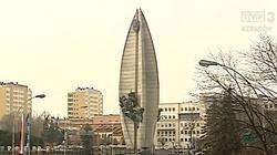 Rzeszów: Feministki bronią Pomnika Czynu Rewolucyjnego, bo przypomina... żeńskie narządy płciowe - miniaturka