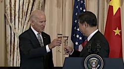 Amerykański ekspert: Chiny wspierają Bidena jak mogą. Armia trolli już atakuje Trumpa - miniaturka