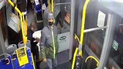 UWAGA! Onanizował się w autobusie przed dziewczynką, szuka go policja. Publikujemy zdjęcie - miniaturka