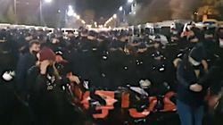 Protest aborcjonistów. W pobliżu domu prezesa PiS doszło do starć z policją - miniaturka