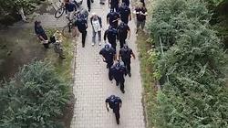 Policja wkroczyła do siedziby KRS. Usuwa ,,Obywateli RP'' - miniaturka
