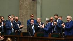 Kamiński i Ziobro zostają. Sejm odrzucił wnioski totalnej opozycji - miniaturka