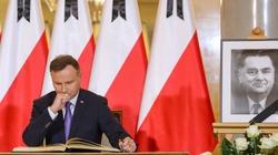 ,,Wolna, suwerenna i niepodległa Polska była Jego największą miłością''. Prezydent Duda wpisał się do księgi kondolencyjnej - miniaturka