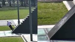 Skakali po pomniku smoleńskim na hulajnogach, a TVN i ,,GW'' manipulują! Policja publikuje nagranie - miniaturka