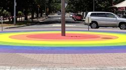 Homopropaganda w Szczecinie: Środowiska LGBT chcą... tęczowego ronda. Jest protest - miniaturka