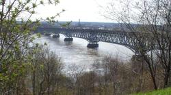 22-latek skoczył z mostu do Wisły, policjanci uratowali mu życie - miniaturka