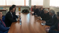 Prezes PiS spotkał się z liderem hiszpańskiej partii VOX - miniaturka