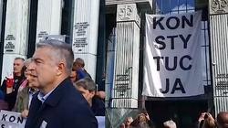 Skandal! Banner ,,Obywateli RP'' na Sądzie Najwyższym. Wygląda na to, że mieli zgodę... Na konferencji Kasprzak i Frasyniuk! - miniaturka