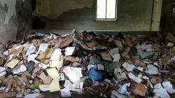 Nadpalone dokumenty, w tym karty wyborcze, w pustostanie. Zaskakujące doniesienia - miniaturka