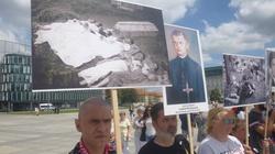 (FOTORELACJA) Marsz Wołyński. PiS otwarty na krytykę Kresowiaków - miniaturka