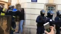 Francja: Protesty, bicie, aresztowania. Gdzie jest KE?! - miniaturka