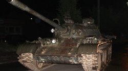 Łódzkie: Pijany wyjechał czołgiem na ulice miasta - miniaturka