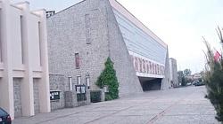 Konin: Profanacja w kościele! Krwawe napisy, uszkodzony pomnik św. Maksymiliana Kolbego - miniaturka