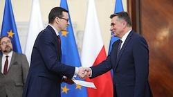 Premier Morawiecki powołał wojewodów. ,,Są nie tylko oczami i uszami, ale też rękami rządu'' - miniaturka