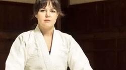 Dwaj imigranci chcieli zgwałcić dziewczynę. Trafili na... mistrzynię karate! - miniaturka