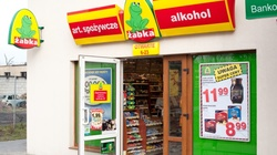 Elżbieta Rafalska: ,,Żabki'' w niedziele będą zamknięte - miniaturka