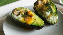 Jajka zapiekane w awokado - miniaturka