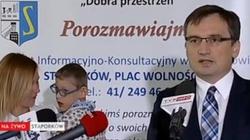 Matka Filipka, któremu pomógł minister Ziobro: Nie da się pomagać po cichu. Po cichu to ja próbuję pomóc Filipkowi. - miniaturka