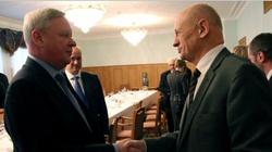 Rosjanie przyjęli polską delegację w domku dla służby? - miniaturka