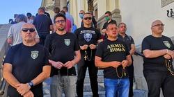 Katolików odmawiających różaniec OMZRiK porównał do nazistów i faszystów - miniaturka