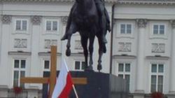 Polacy chcą krzyży i Dekalogu, odrzucają aborcję - miniaturka