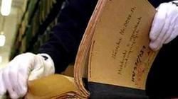 Historyk nie może posiadać archiwalnych dokumentów w domu? - miniaturka