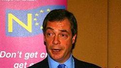 Czas wezwać armię! - Nigel Farage o zamieszkach w Anglii - miniaturka