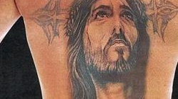 Poseł Palikota z krzyżem na plecach - miniaturka