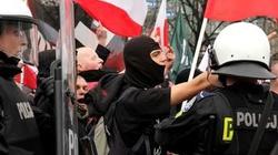 Polowanie na narodowców: dobrze zorganizowane grupy zaatakowały niewinne osoby - miniaturka